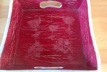 plateaux de service / realise a partir d un plateau bois peinture craquelee et resine