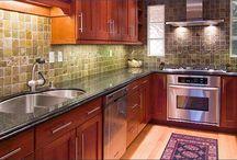 teeny tiny kitchens / Design ideas for tiny kitchens.