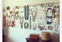 Organize (the jewelry)