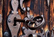 Kovácsolt ajtók