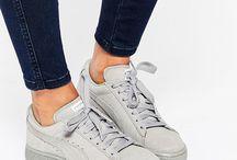 Sneakers simples  / Baskets tendances qui se portent le plus simplement possible