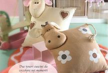 Pillows and cushions / Pillows and cushions