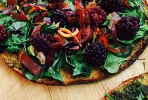 Healthy Pizza Recipes with Veggie Pizza Crusts / Try these healthy gluten-free, low-carb pizza recipes made with Outer Aisle Gourmet Veggie Pizza Crusts!