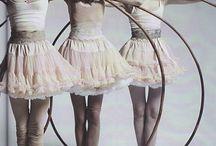 Cirque & Burlesque / Circ, espectacles, cabaret, nories, carousels i parcs d'atraccions.