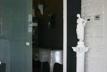 DECORATION OF SALON OF TATTOOS / Ornamental plaster works - PA.CA. srl DECORATION OF SALON OF TATTOOS