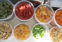Per i piccoli / Suggerimenti per educare i bambini a mangiare in modo sano ed equilibrato.
