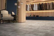 Stonetile - Vinílico em placas / Stonetile possui visual natural de cimento e pedra. Tendência internacional de decoração para uso comercial e residencial, sua textura combina com ambientes ousados e contemporâneos.