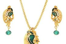 Attractive Indian Bollywood Traditional Pendant Necklace Set