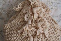Crochet - Bags, handbags, purses and cases / by Brasmeire Pereira de Freitas