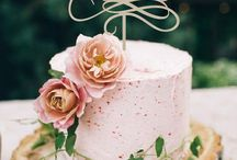 Beautiful Wedding Cake Topper // Ideas and Inspiration //