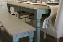 Dinning Room / farmhouse tables. farmhouse lighting. farmhouse dinning room inspiration.