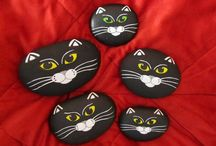 Painted rock cat face