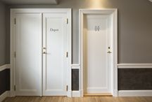 Hotel Randers / Due to a fire the old hotel was renovated with interior doors in a classical style. The doors were upgraded with fire and acoustic requirements. The door handles and hinges are made from brass to match the interior and spirit of the hotel.