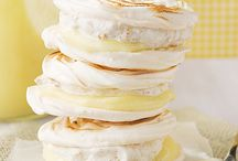 Melt in the Mouth Meringues  / Light recipes using meringue