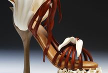 Shoes carved in wood, high heel art shoes wood carvings. / Art