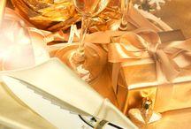 "KIRIKANE DECO / Minova Ceramic Jewel Knives(ミノバセラミックジュエルナイフ)は、ダイニングテーブルを華やかに演出する特別なファインセラミックナイフ&ケーキサーバー。京都に伝わる金細工の伝統工芸『截金』からインスピレーションを得て、繊細に編みこまれた金線をモダンアールデコ調に表現したシリーズです。These are series expressing gold streak, which was knit delicately, in modern,by receiving an inspiration from traditional handicrafts of ""KIRIKANE"" goldwork handed down in Kyoto of Japan."