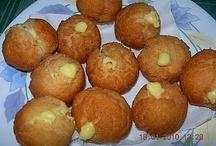 Dolci fritti - bombe, ciambelle, castagnole, frappe, frittelle / Tante ricette golose per dolci fritti, come bombe, ciambelle, castagnole, frappe e frittelle. https://www.ricettegustose.it/Dolci_fritti_index.html #dolci #fritti #bombe #ciambelle #ricettegustose #ricette #gustose #recipe #receta #food #buñuelo @donut  #dolci #fritti #bombe #ciambelle #ricettegustose #ricette #gustose #recipe #receta #food #buñuelo @donut