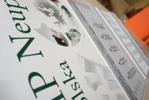 Realizacje - druki / Wizytówki, foldery, ulotki (projekt, druk i kolportaż), plakaty, kalendarze, billboardy, banery, siatki, koperty, listowniki, segregatory, teczki, prezentacje…