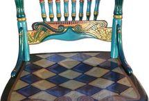 Bemalte Stühle