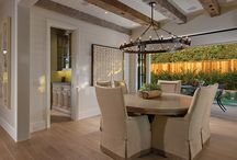 Dining Room Inspirations / These luxurious dining rooms will make you forget all about how hungry you are.