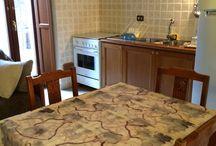 Stile rustico/moderno / Al borgo antico - Navelli (AQ), Italy  Vivere l'antico oggi Due appartamenti per le vacanze arredati con ogni confort in stile rustico / moderno
