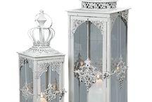 Felinare /  Felinare romantice de grădină, felinare vintage sau retro din metal, felinare de exterior, la noi găseşti cele mai potrivite idei de cadouri şi soluţii decorative.