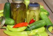 canning and all that good stuff / by Lesley Smoltz