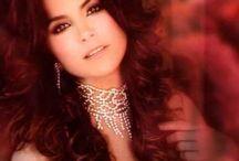 Lucero / fotos da atriz e cantora e tambem madrinha do teleton do Mexico Lucero hogaza leon