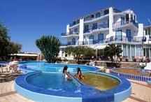 Ischia - Hotel Il Gattopardo Terme & Beauty Farm / L'Hotel Il Gattopardo Terme & Beauty Farm si affaccia sulla baia di Citara, uno degli angoli più belli dell'isola d'Ischia.