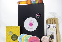 Les coffrets / En abonnement mensuel ou achat à l'unité, les coffrets de La Box Boutik vous étonneront et vous plairont à coup sûr!  Pour offrir ou pour se faire plaisir, retrouvez dès à présent nos 16 thématiques de box sur : www.la-box-boutik.com