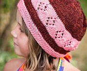Knitting / by Dionisia Munoz