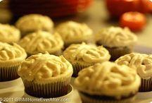 Holidays - Halloween Food / Spooky and creepy holiday Halloween food recipes, tutorials, and DIYs.