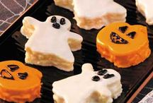Halloween Recipes / Halloween recipes Halloween Mini-Cakes http://www.planetgoldilocks.com/halloween/sweepstakescontest.html