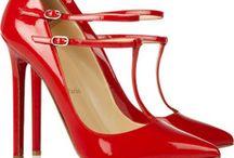 Moda Zapatos / by Laura