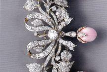 Breathtaking jewellery / Antique, art nouveau, Edwardian and Art Deco jewellery.