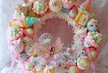 Almost tooPretty to eat..some people are so creative!  / by Susan Richey