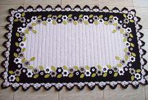 crafty... crochet decor / by Danie Honeybun