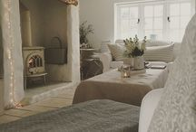 Cream lounge