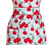 For the LOVE of aprons / by Thippi Noodleonthat