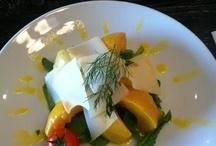Maximus Restaurant&Lounge 2 Mayıs Menüsü / Maximus Restaurant&Lounge bugün leziz yemekleri ile damakları tatlandırdı.  Bugünkü menümüzün tadına hala bakabilirsiniz :)  2 Mayıs Menüsü: Yeşil elmalı balkabağı çorbası Safarad usulü ekşili zeytinyağlı sarma Çiftlik yoğurdu eşliğinde Tokat asma yaprağında etli yaprak sarma Kırmızı pancar, armut, tulum peyniri ve çıtır cevizle harmanlanmış baby ıspanak salatası Ve tatlı olarak da Nutellalı profiterol