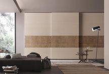 Tolóajtó beépített szekrény tervek / Tolóajtós beépített szekrény stílus és praktikum egyben. A modern beépített szekrényeknél használt tolóajtók, kényelmes funkcionalitásuk és jól variálható kinézetük miatt használják leginkább. A tolóajtók felhasználhatósága rendkívül sokszínű. Alkalmazhatóak térelválasztóként, a lakás helyiségeiben található szekrényeknél egyedüli és kombinált ajtó típusként is.  http://hvgardrob.hu/szekreny-ajtok/toloajto/
