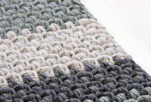 Crocheting rectangle rug