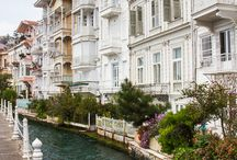 Turkey, Istanbul-mansions on the Bosphorus