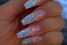 Halles dream wedding nails