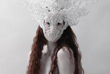 Veils/headdresses/crowns
