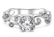 engagement rings / by Christina Terres