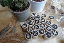 Biterswit Mini Stamps / Petits segells per estampar recordatoris a l'agenda, àlbums de fotos, llibretes, calendaris… i allà on se t'acudeixi! · Pequeños sellos para estampar en la agenda, álbum de fotos, libretas, calendario,… ¡y allí dónde se te ocurra! #ministamps #stamps #stamp #ministamp #woodstamp