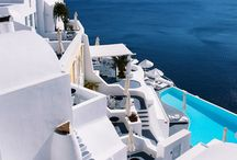 Santorini Hotels / We cover over 450 hotels in Santorini and we are here to help you find the ideal accommodation for you and your co-travelers.