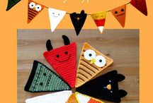 Garlands/Buntings / crochet or fabric or whatever you can make a bunting out of; this is it. / by Chris Richardson