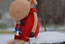 новогодние подарки. вязаный лось, амигуруми, новый год. идеи подарка